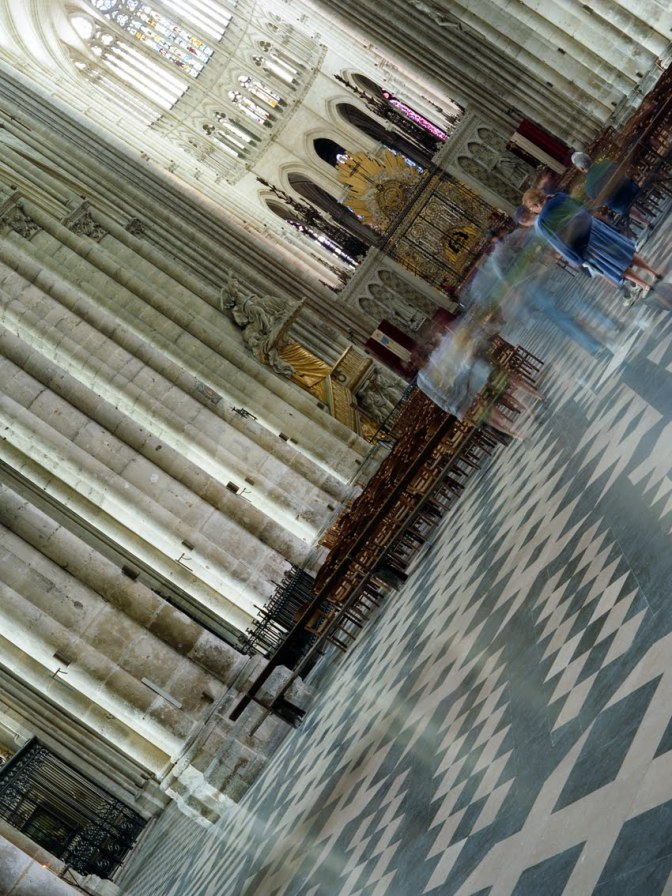 Amiens Cathedral, Nef. France © Jerominus 1996